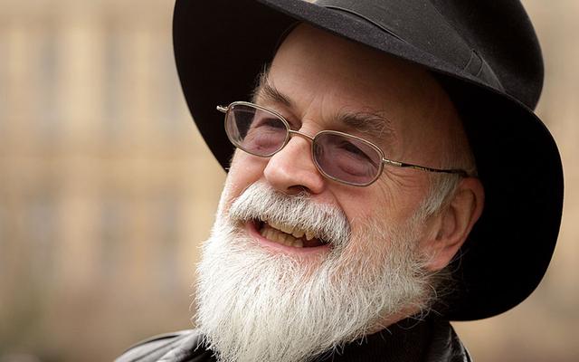 Le travail inédit de Terry Pratchett a été détruit, tout comme il le voulait