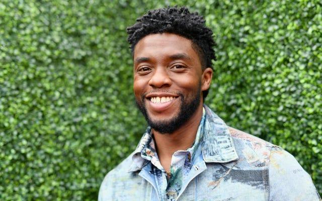 Chadwick Boseman, En İyi Kahraman MTV Ödülünü gerçek hayattaki kahraman James Shaw Jr.'a verdi.