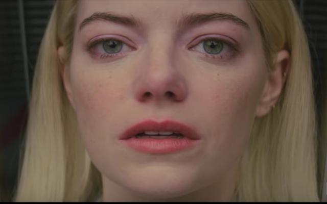 """Emma Stone et Jonah Hill se lancent dans une """"merde magique cérébrale multi-réalité"""" dans la bande-annonce de Maniac"""