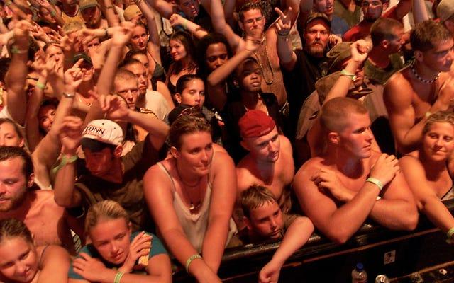 Woodstock 50 mất địa điểm và nhà sản xuất sự kiện trong vòng một giờ