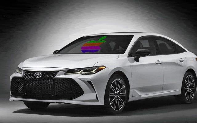 टोयोटा आंशिक रूप से अपनी लड़ाई के खिलाफ देता है जो लोग वास्तव में अपनी कारों में चाहते हैं और एप्पल कारप्ले का समर्थन करते हैं