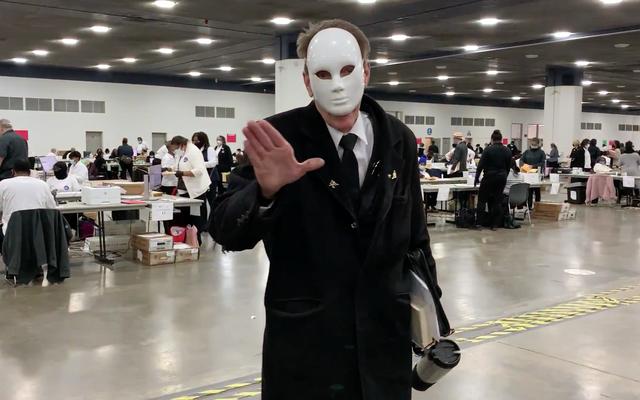 人種差別的な言葉を使用した後、マスクを適切に着用することを拒否したデトロイトの2人の世論調査の挑戦者