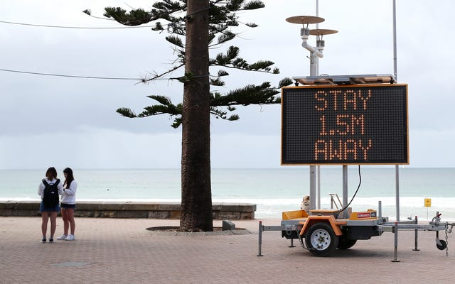 L'Australie offre des services de garde gratuits pour aider à aplatir la courbe