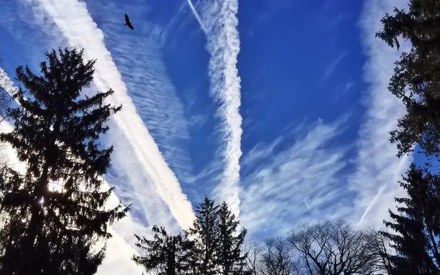 飛行機雲は大気に驚くべき影響を及ぼします