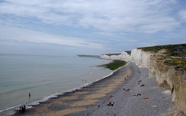 英国の海岸に降りてきた神秘的な化学霧は何であるか(そして何でないか)