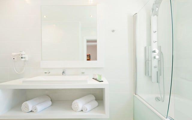 Mengapa sebagian besar hotel tidak lagi memiliki pasta gigi di kamar