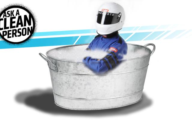 Aiuto! Come si lava una tuta da gara ignifuga?