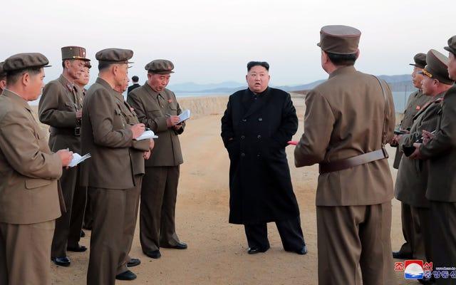 北朝鮮は、キム・ジョンウンが新しい「超近代的」兵器の開発を監督していると発表しました