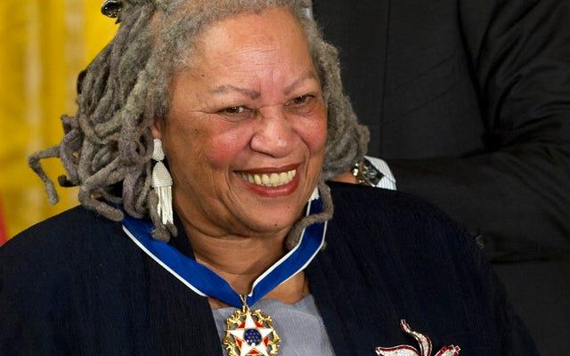 Pemenang Hadiah Nobel Toni Morrison, Salah Satu Penulis Terbesar Amerika, Meninggal pada usia 88 tahun