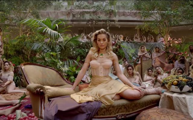 「女の子」のビデオは歌と同じように声が聞こえない