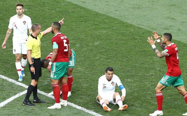 ワールドカップの審判はロナウドにシャツを頼まなかったと誓う