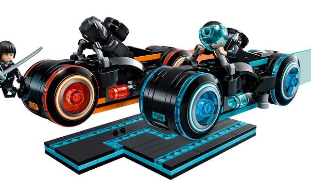 अपने क्वार्टरों को बचाना शुरू करें क्योंकि लेगो का ट्रॉन: लिगेसी लाइट साइकल सेट अंत में अगले सप्ताह आता है