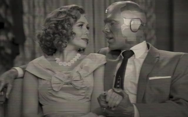 ワンダヴィジョンは、マーベルの最も奇抜なシリーズの新しいティーザーで古典的なテレビのテーマソングを取得します
