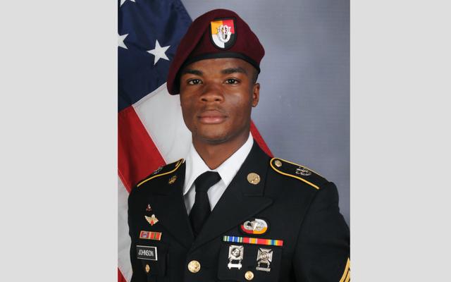 軍事捜査はSgtを終了します。ラ・デイビッド・ジョンソンは捕らえられず、彼が処刑されたという以前の報告に反論しました:報告