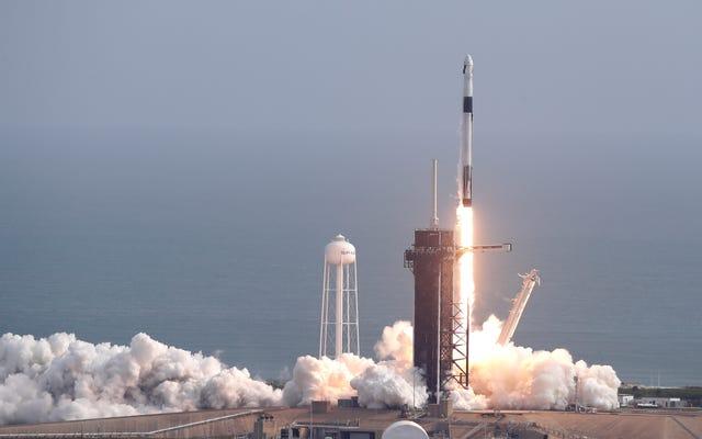 SpaceX fait exploser une fusée, test d'évacuation d'urgence Aces