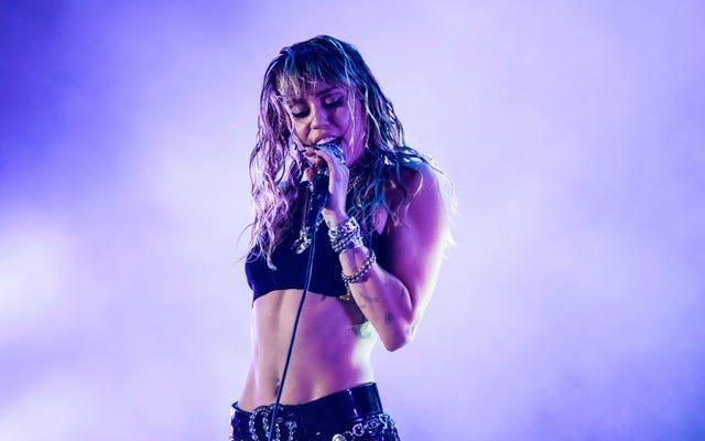 Miley Cyrus Punya Tato 'Kebebasan', Untuk Beberapa Alasan Saya Tidak Bisa Menentukan