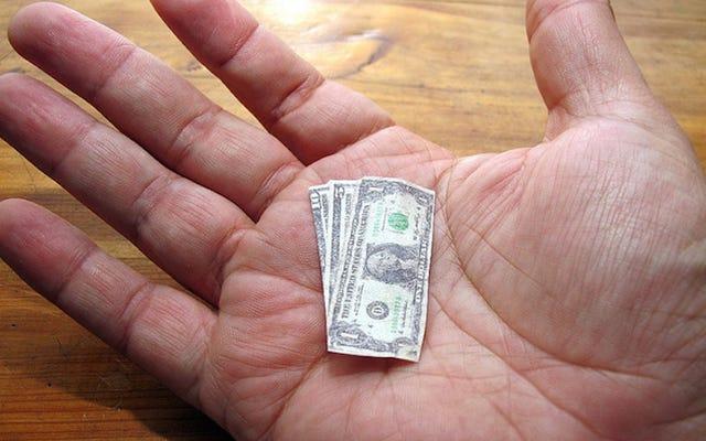 購入があなたの人生をどのように改善するかを尋ねることによって衝動買いを制御する
