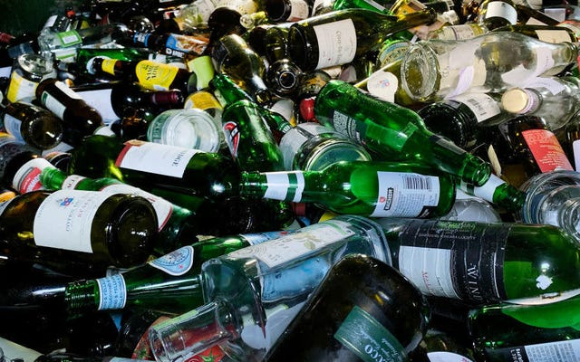 Sabato sera sociale: anche io sono passato attraverso 70 bottiglie di liquore