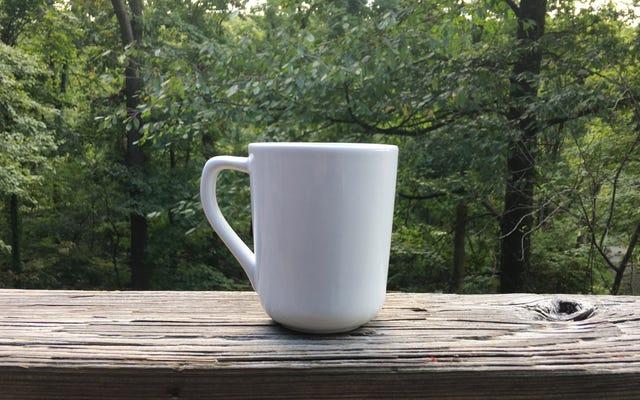 Avoir une bonne tasse chaude de tisane