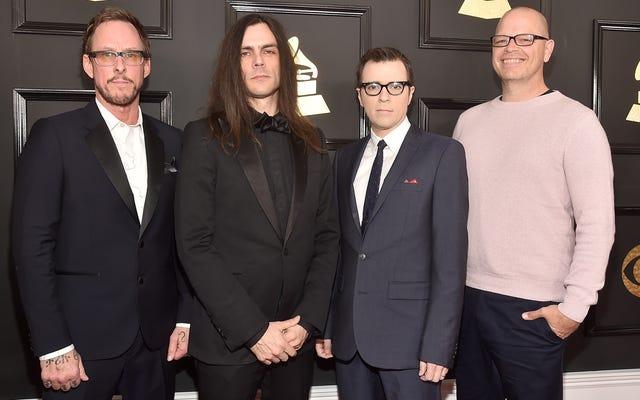 """Weezer जाहिरा तौर पर एक """"Weezer से प्रेरित एल्बम"""" पर काम कर रहा है"""