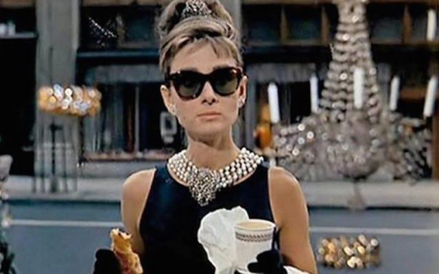 ティファニーがティファニーで朝食を提供するのになぜそんなに時間がかかったのですか?