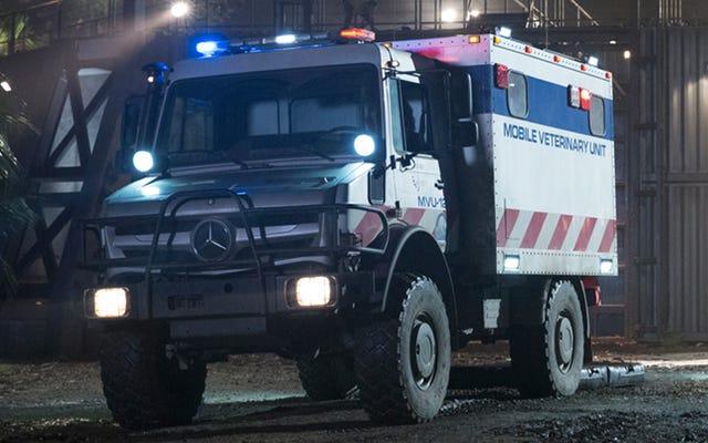 Jurassic World a une énorme ambulance tout-terrain pour les dinosaures malades