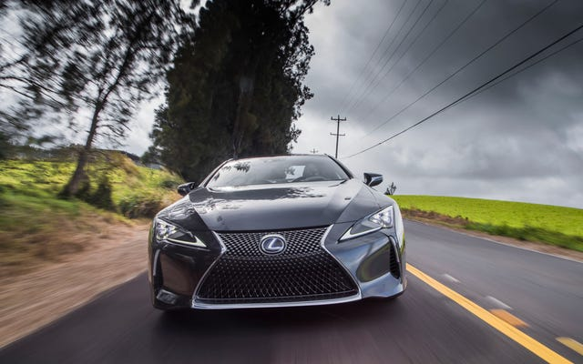 La griglia del mandrino sta uccidendo le vendite Lexus?