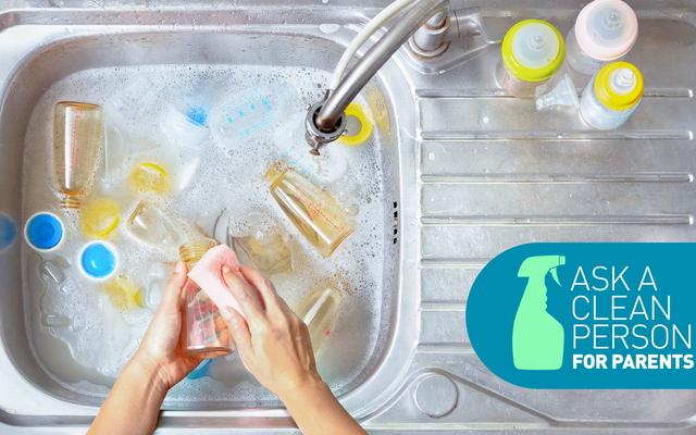 クリーニングの専門家によると、哺乳瓶を掃除する最も簡単な方法