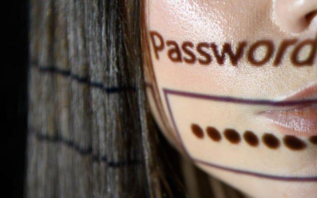 このGoogle拡張機能は、パスワードのいずれかが侵害された場合に通知します