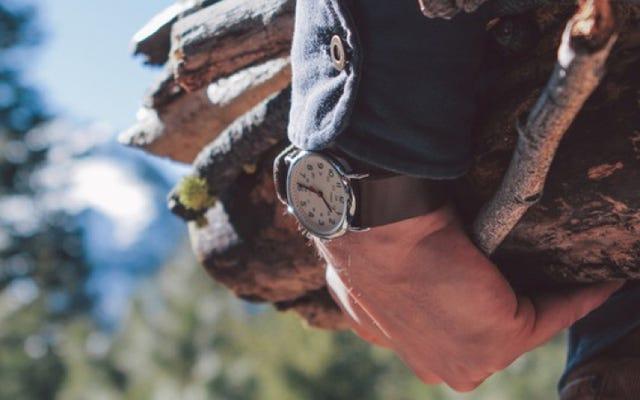 Hemat Saat Anda Memasangkan Jam Tangan Favorit Dengan Tali Kulit Buatan Tangan [Eksklusif]