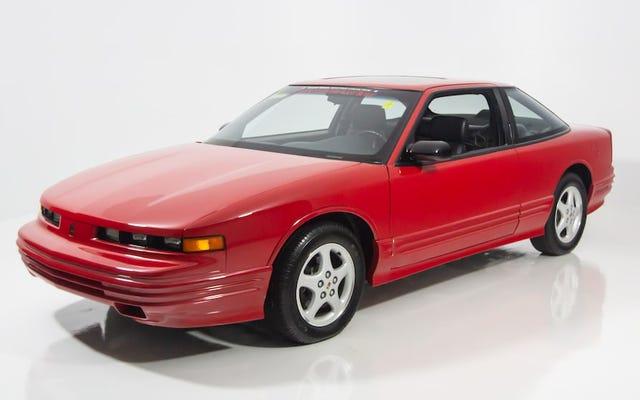 El Oldsmobile Cutlass Supreme de producción final es su próximo automóvil Radwood caro