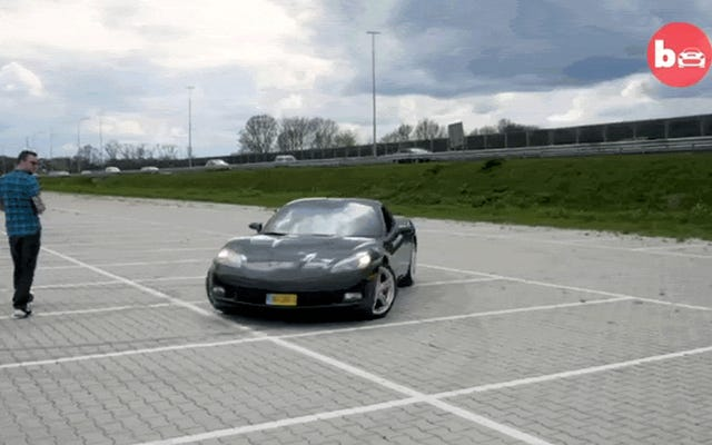 Questo ragazzo ha trasformato la sua Corvette in un'auto R / C a grandezza naturale