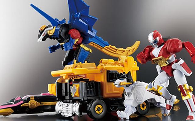 नवीनतम सुपर सेंटाई मेच अद्भुत खिलौने प्राप्त कर रहे हैं