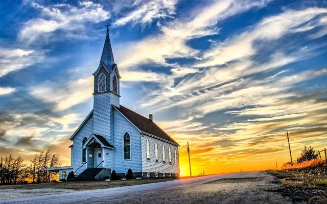 ミネソタシティが白人至上主義教会の存在を認めることに投票し、宗教の自由を引用