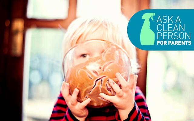 子供服からチョコレートの染みを取り除く方法