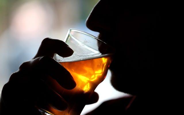 เหล่านี้เป็นยุคที่แอลกอฮอล์เป็นอันตรายต่อสมองมากที่สุดนักวิจัยกล่าว