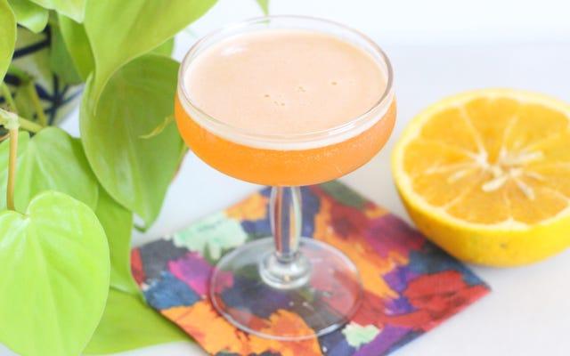 Accrochez-vous aux derniers moments de la saison des agrumes avec ce cocktail