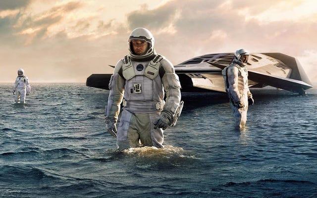 私たちの太陽系の外にある最も近い地球のような惑星は水の世界である可能性があります
