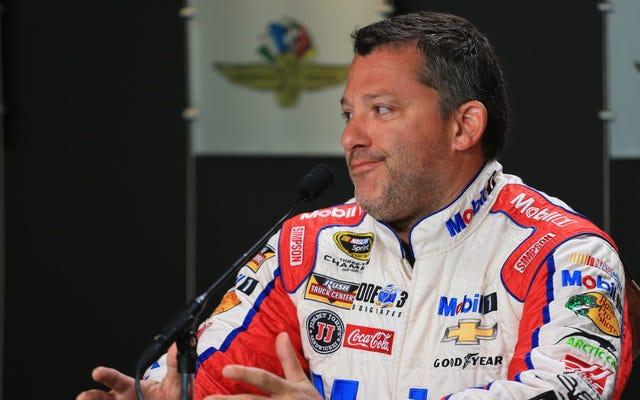 Tony Stewart, E-postasını Kontrol Etmediği İçin Indy 500 ile Yarışmak İçin Bir Teklifi Olduğunu Bilmiyordu
