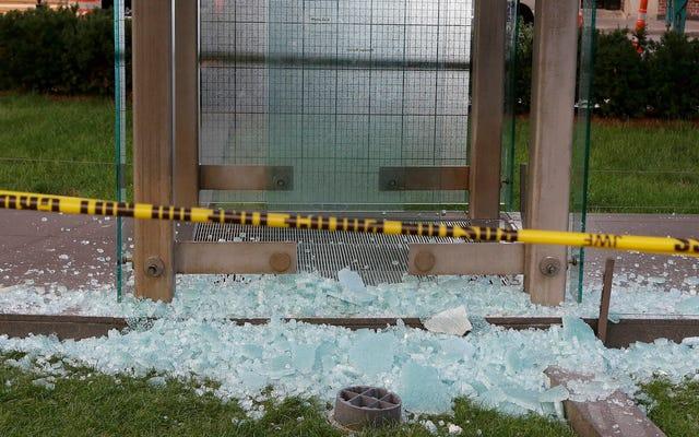 ボストンティーンがホロコースト記念碑を破壊した