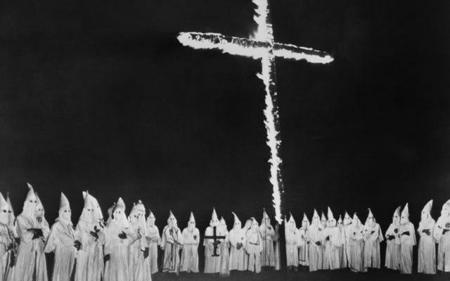Beginilah cara Superman mengungkap kode rahasia Ku Klux Klan di Amerika Serikat