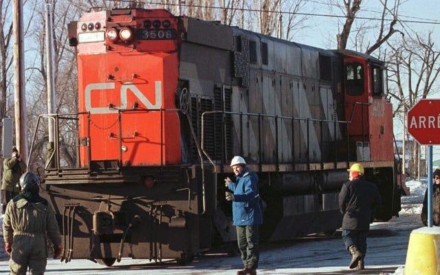 ครั้งนั้นเมืองในแคนาดาตกรางรถไฟดีเซลและขับรถไปตามถนนเพื่อจัดหาพลังงานฉุกเฉิน