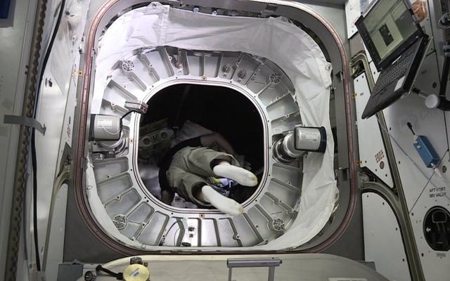 誰かがNASAのインフレータブルスペースハウスに初めて入った