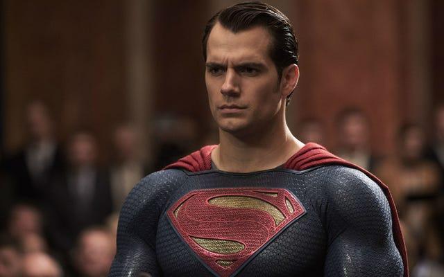 Henry Cavill ยอมรับว่าภาพยนตร์ DC ไม่ได้ใช้งานจริง