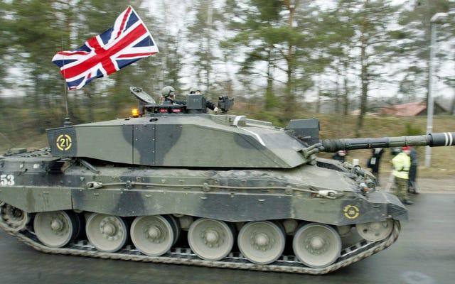 Angkatan Darat Inggris Memotong Sepertiga Tanknya