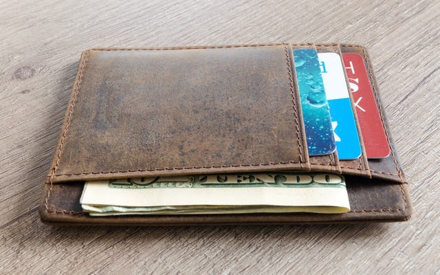 Si vous trouvez un portefeuille perdu, vous pouvez le retourner en le déposant dans une boîte aux lettres