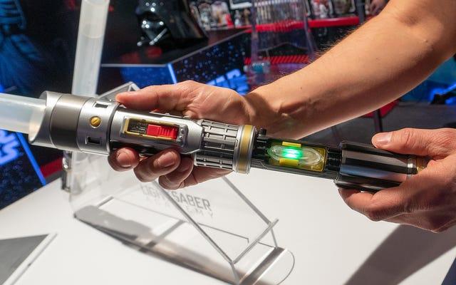 Hasbro a amélioré un jouet classique de Star Wars pour que vous puissiez apprendre à balancer correctement un sabre laser