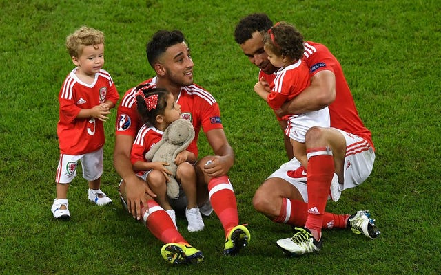 UEFAはこれらすべての愛らしい子供たちにうんざりしています