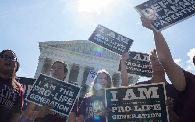 裁判官はジョージア州の6週間の中絶禁止を一時的に阻止します