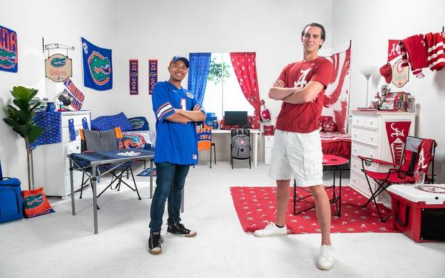 ファンマーチャンダイジングだけを使って寮の部屋を飾るように2人の男に挑戦しました